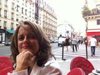 maggie-espinosa_at_Parisian_cafe_Miguel