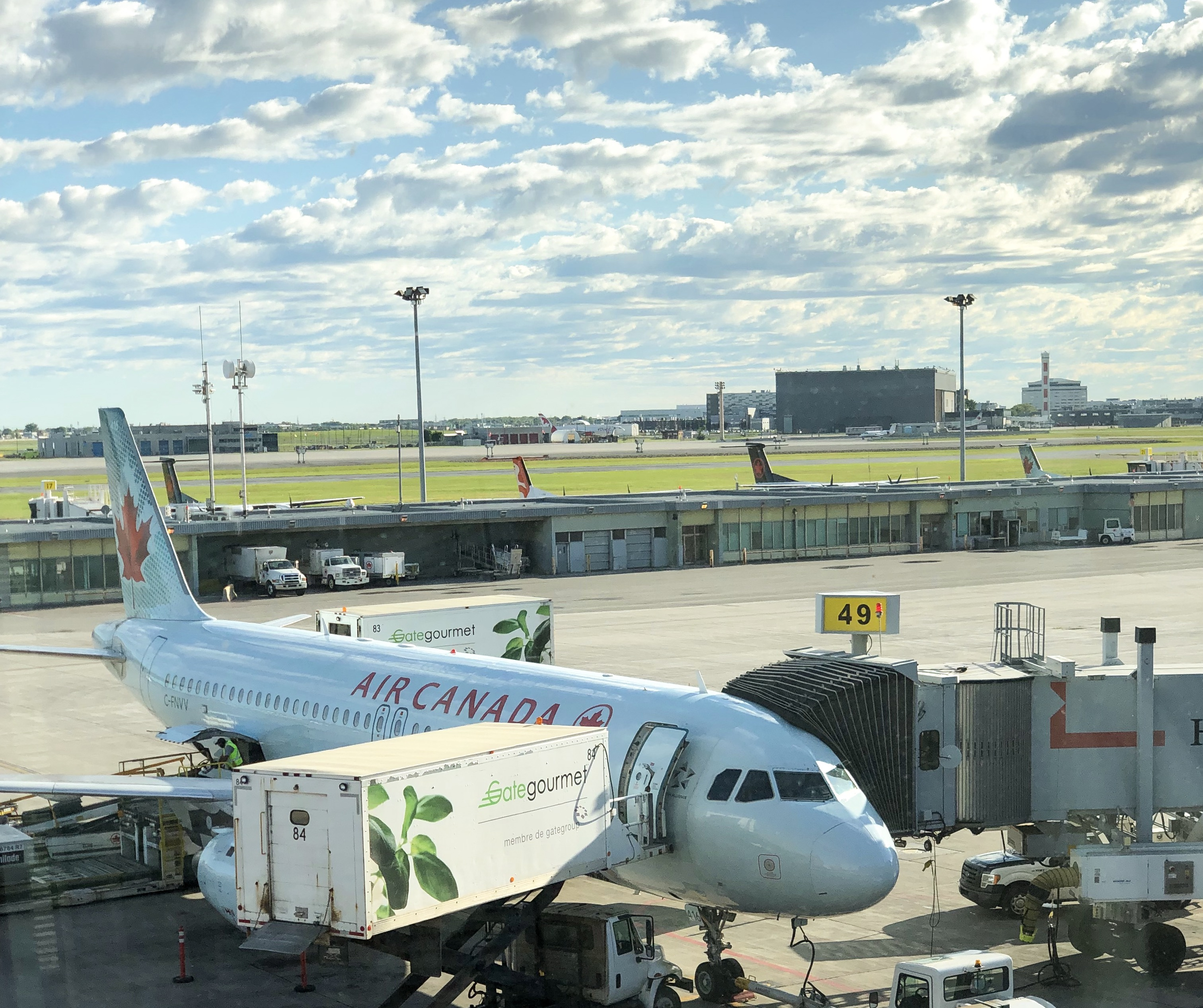 Air Canada Flies to Montreal
