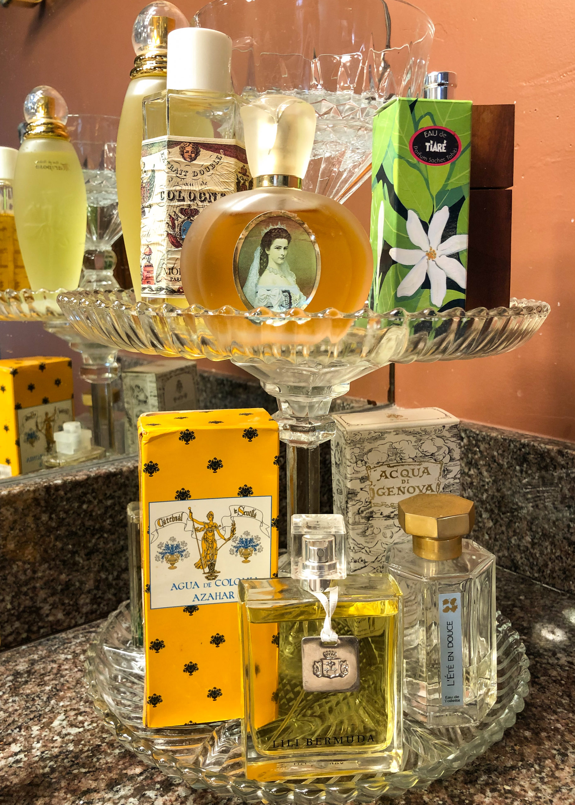 Perfumes to decorate your home with travel souvenirs